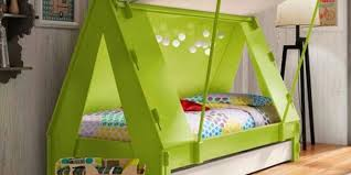 furniture toddler beds with jungle theme using green and brown