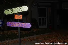 halloween decorations trick or treat yard signjust two crafty sisters