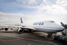 United Airline Stock Boeing Jumbo Jet Era Ending In U S As United Retires 747 Fleet