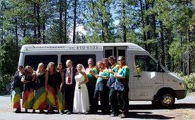 6 Great Tips For Booking Wedding Transportation by How Much Does It Cost To Transport Wedding Guests From The Hotel