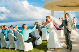destination wedding how to manage your family s reaction to your destination wedding