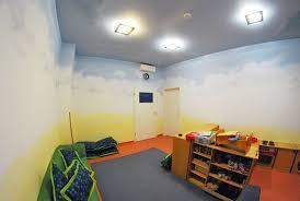 wandgestaltung kindergarten wohnideen wandgestaltung maler nachts kamen die elfen und
