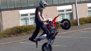 road legal motocross bikes 2017 kurz rt1 125 sm road legal pit bike wheelie u0026 endo youtube