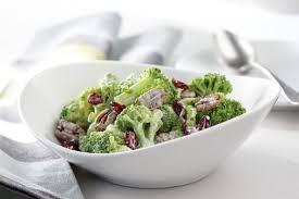 cuisiner brocoli salade crémeuse de brocoli recipe broccoli salads broccoli