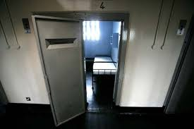 Prison Bunk Beds Taxpayers Stump Up 200k For Criminals Who Fall Out Of Bunk Beds