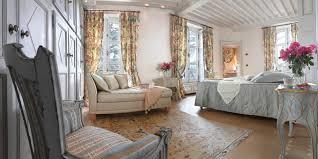 chambre chateau chambre d hôtes comtesse chambre de chateau château de bissieux