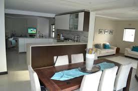 cuisine salle a manger salle à manger cuisine salle manger banc angle table bois chaises