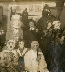 Halloween Central Costumes 39 Vintage Halloween Costumes Define Creepy Dread Central