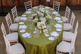 60 x 102 oval polyester tablecloth made in the u s a