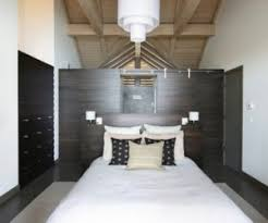 Decorating A Bedroom by How To Decorate A Bedroom Without Headboard