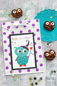 chocolate owl pretzels with halloween printables eighteen25