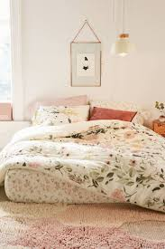 Choosing Bed Sheets by Best 25 Floral Bedding Ideas On Pinterest Floral Bedroom