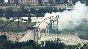 Six Flags Rollercoaster Magic Mountain U0027s Colossus Roller Coaster Catches Fire Peak
