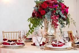hochzeitstag urlaub blumen auf tabelle in hochzeitstag luxus urlaub hintergrund