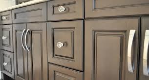 Where To Put Knobs On Kitchen Cabinets Kitchen Kitchen Knobs Or Pulls Kitchen Cabinet Door Pulls
