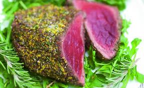 cuisiner un roti de boeuf au four rôti de bœuf au romarin et au vinaigre balsamique par julie andrieu