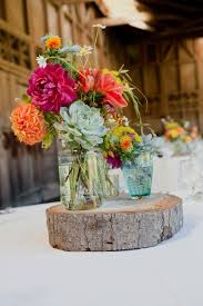 Lanterns With Flowers Centerpieces by Best 25 Wood Slab Centerpiece Ideas On Pinterest Rustic