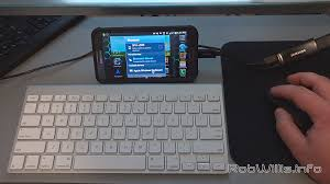 samsung note 2 mobile desktop with a bluetooth keyboard mouse and