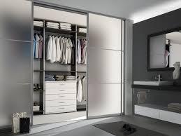 Schlafzimmer Mit Begehbarem Kleiderschrank Raumteiler Und Begehbare Kleiderschränke Schlafzimmer Produkte