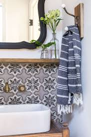 Towel Decoration For Bathroom by Best 25 Hand Towels Bathroom Ideas On Pinterest Restroom Ideas