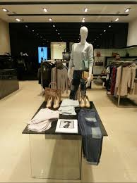 window dressing behind the scenes of clothing stores community