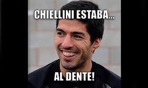 Suarez Memes - los memes de la mordida de luis suárez del partido italia vs uruguay