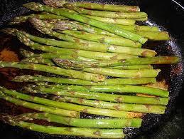cuisine asperges vertes recette de filets de truite aux asperges vertes