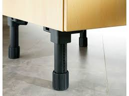 pied meuble cuisine recouvrir meuble cuisine inspirations avec recouvrir meuble cuisine
