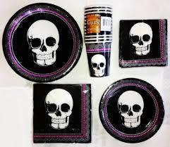 Halloween Skull Decorations 30 Skull And Skeleton Halloween Decorations