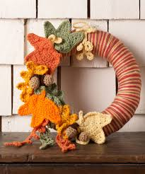 autumn leaves wreath free crochet pattern from red heart yarns