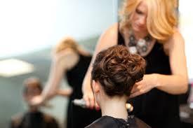 Hochsteckfrisurenen Mit Kurzen Haaren Selber Machen by Hochsteckfrisur Selber Machen So Klappt S Bei Kurzen Haaren