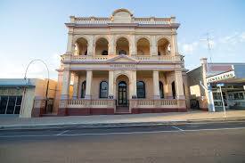 Bank Of New South Wales Building Charters Towers Wikipedia