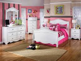 Twin Size Beds For Girls by Size Bed Amusing Kids Bedroom Design With Lovely Wallpaper And