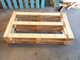 Patio Furniture Using Pallets - diy dads diy outdoor pallet couch weekend project hello