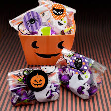 halloween party goodie bags halloween treat bags with sticker seals set of 40 u2013 distinctivs