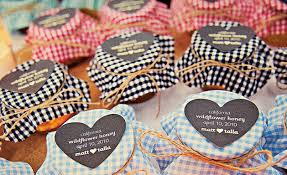 wedding guest gift ideas cheap wedding favors thoughtful or wasteful