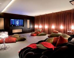 creating fascinating private home theater decor at home