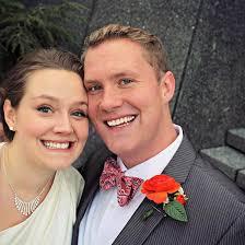 reddit worst wedding bride groom and ghost mystery figure appears in wedding photo