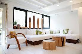28 livingroom brooklyn the le corbusier sofa in this