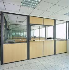 cloison pour bureau aménagements particuliers sur cloison modulaire espace cloisons