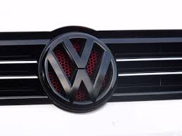 red volkswagen jetta 2006 plastidip grille or emblem badge diy vw jetta golf sportwagen