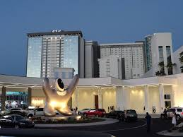 las vegas hotel list of las vegas hotels reviews incl cheap room deals casinos