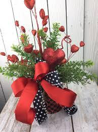 Valentine S Day Desk Decor by Best 25 Valentines Day Decorations Ideas On Pinterest Diy