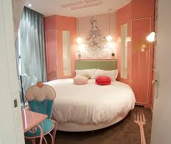 the sinfully decorated bedrooms of the vice versa hotel paris
