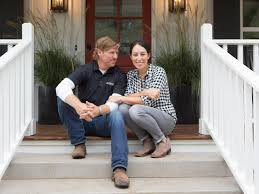 fixer upper u0027 spinoff series to premiere on hgtv hgtv u0027s