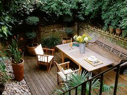 Apartment Backyard Ideas by Exterior Backyard Deck Ideas For Privacy Affordable Outdoor