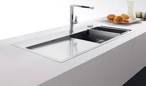 r駸ine plan de travail cuisine plan de travail en resine style de décoration qui va bien à tous