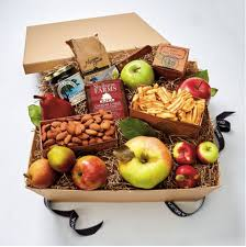 food gift boxes 8 delicious gift box ideas for families and friends food