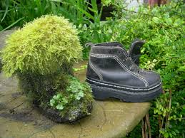 Recycling Ideas For The Garden Recycling Shoes For Garden Make A Keepsake For Your