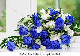 white blue roses brides bunch of blue roses brides bouquet of blue and white
